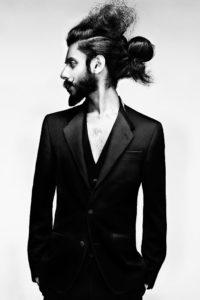 capelli raccolti uomo